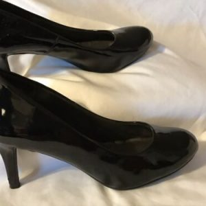Comfort Plus Women's Shiny Black Heels by Predictions Size 8
